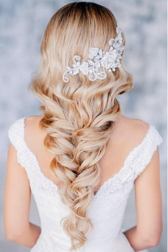 wedding-hairstyles-709922_w650